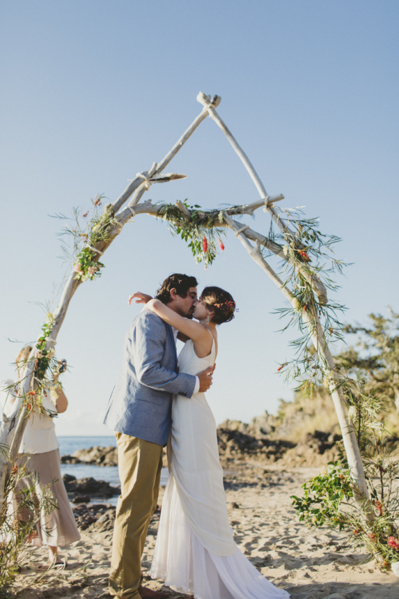 Relaxed beach wedding Agnes Waters 01