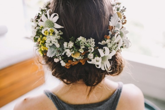 Flower crown with wax and flannel flower | Photography by Lara Hotz