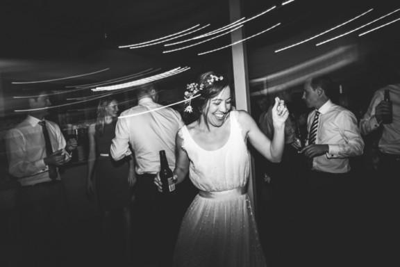 Harvest Café wedding in Byron Bay | Photography by Lara Hotz
