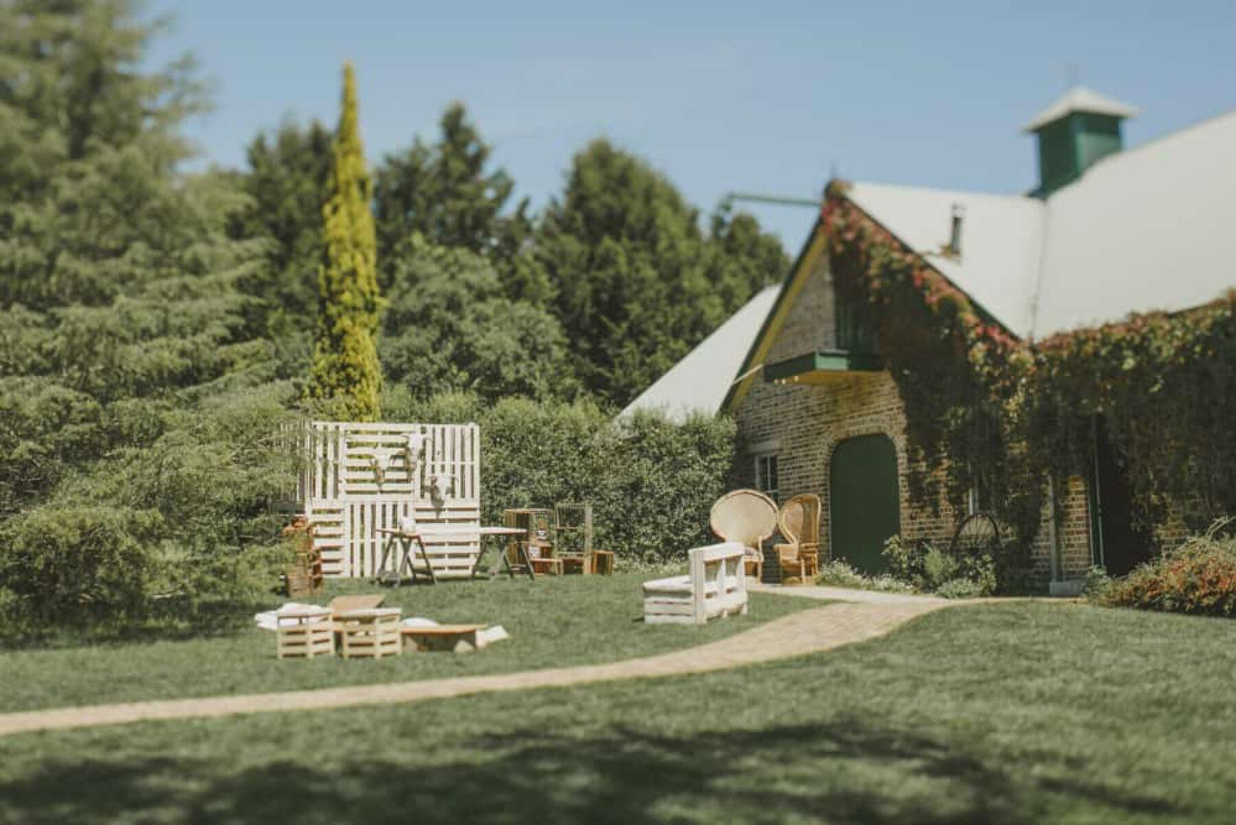 Montrose Berry Farm Wedding / Nina Claire Photography