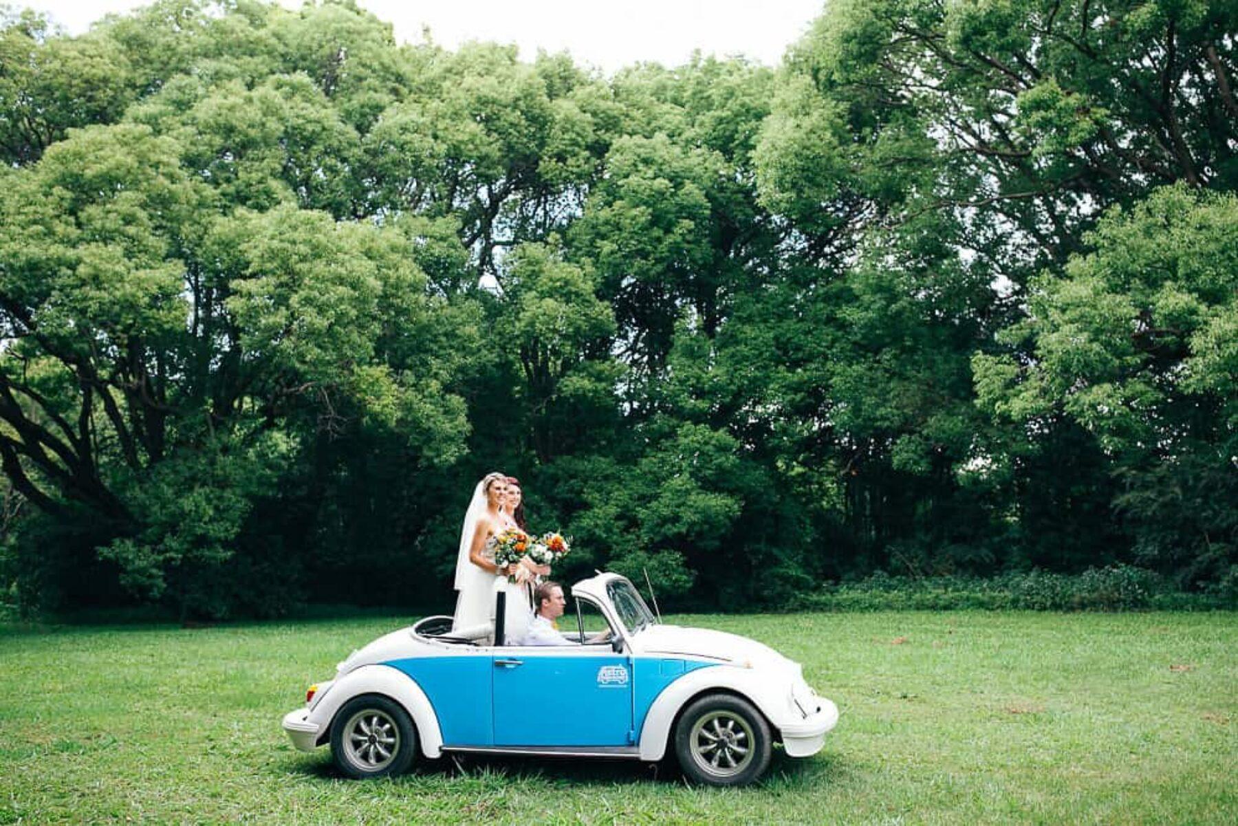vintage buggy wedding car