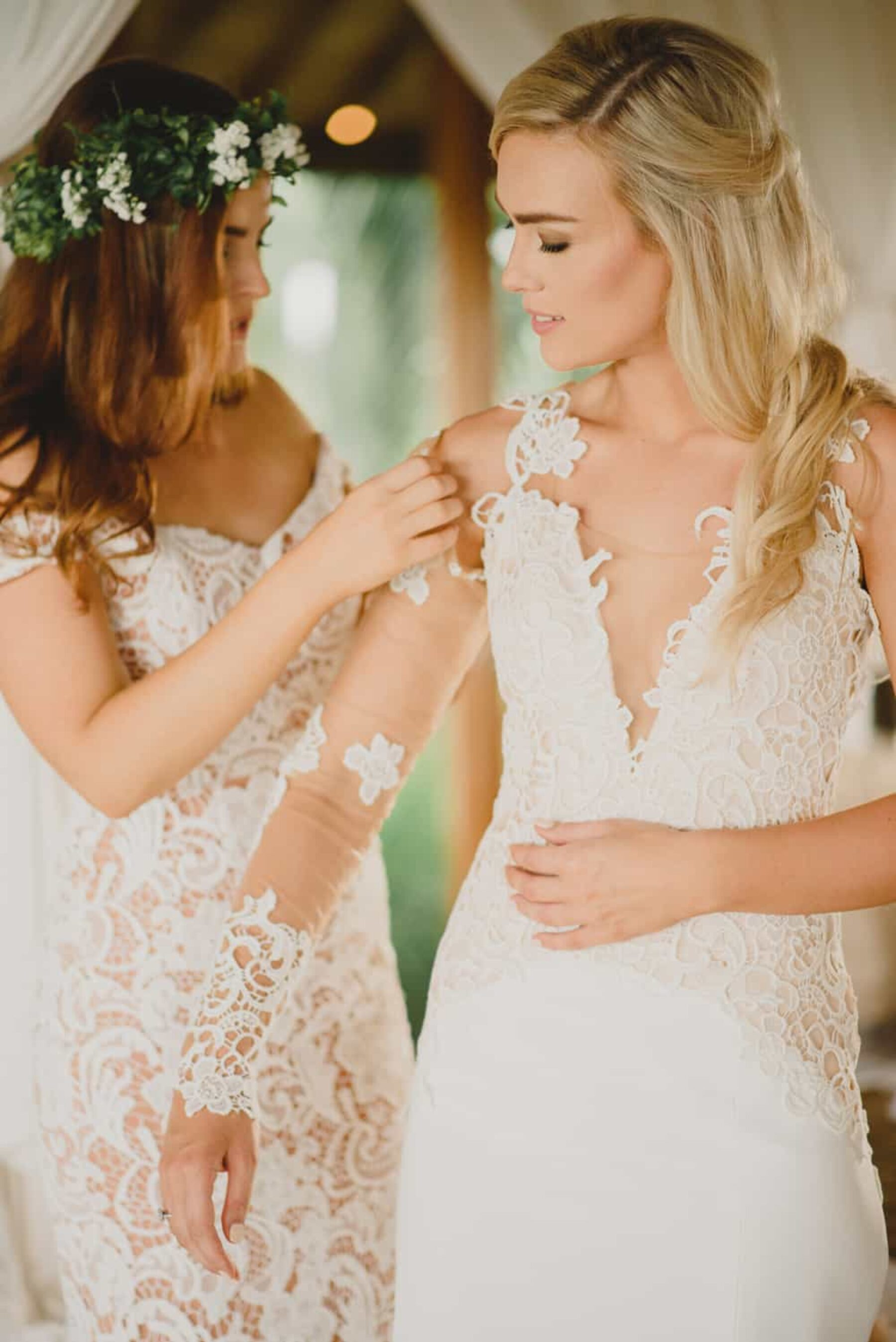 lace mesh wedding dress with detachable sleeves