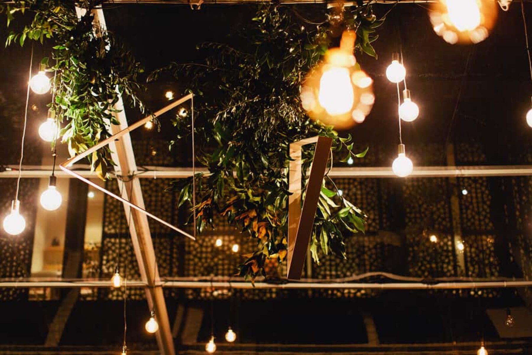 Modern Melbourne wedding at Circa - photography by Sayher Heffernan