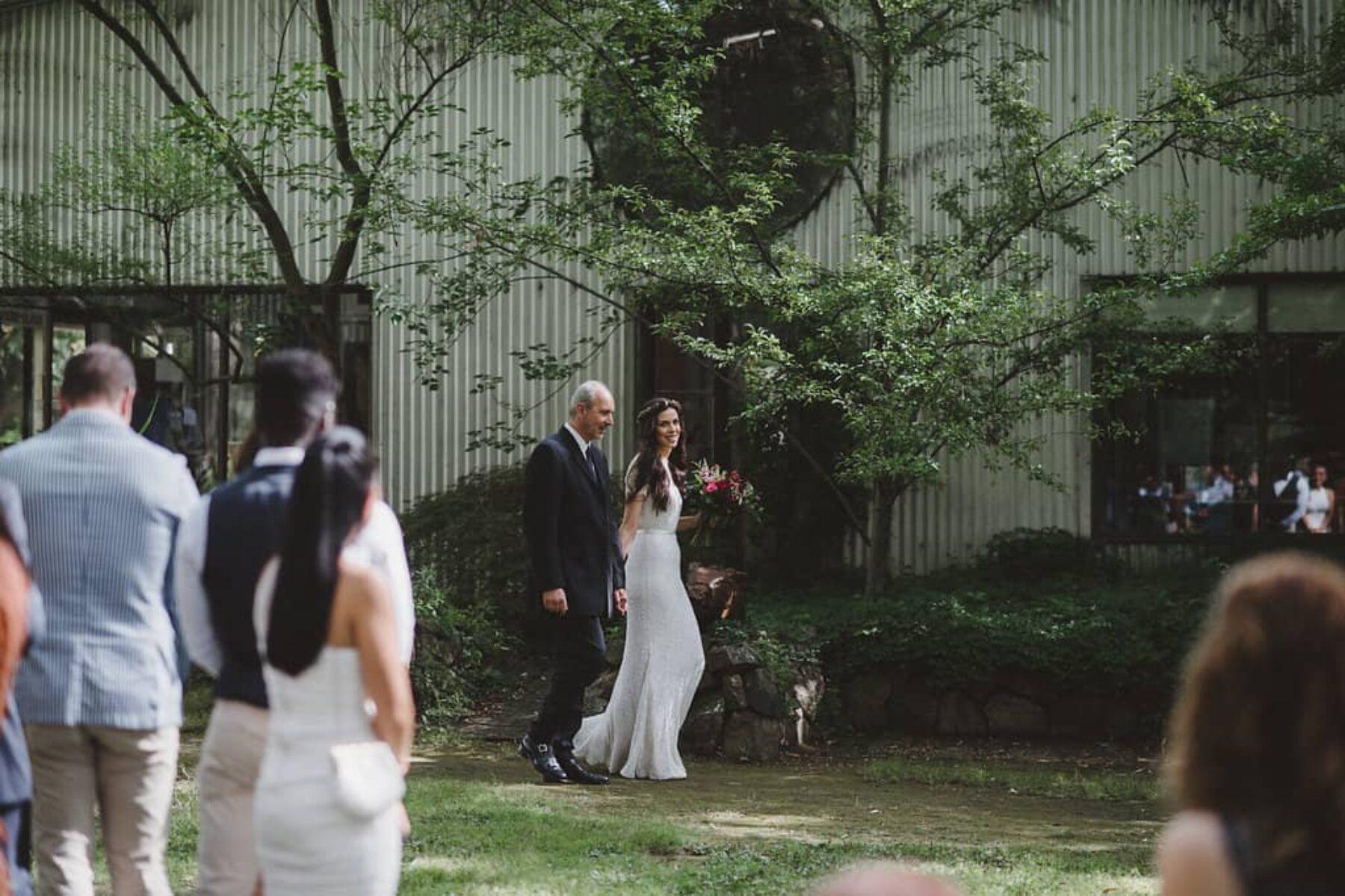 minimalist vegan wedding at The Crisp Galleries - photography by Lauren Campbell