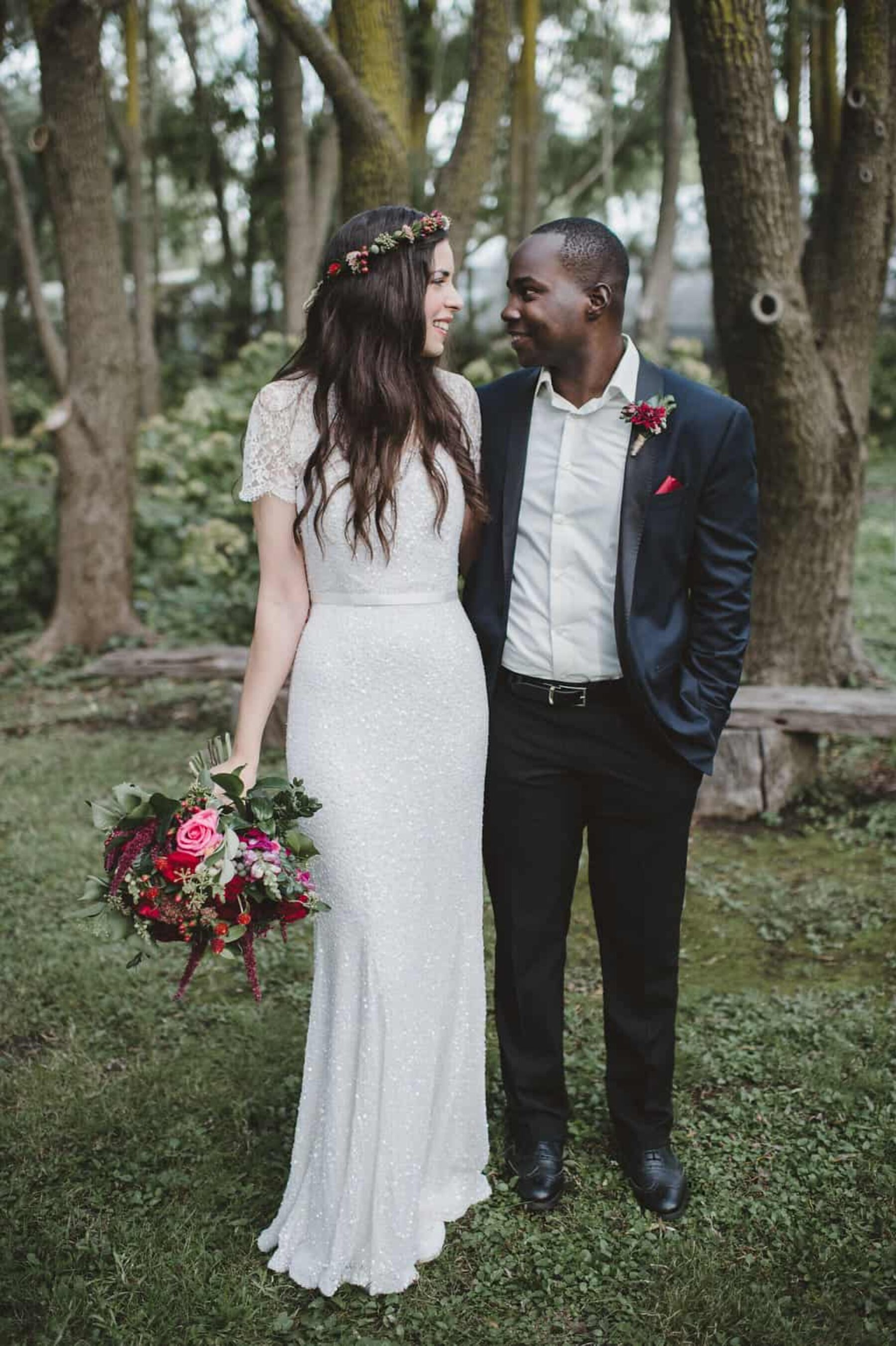 relaxed forest wedding - photography by Lauren Campbell