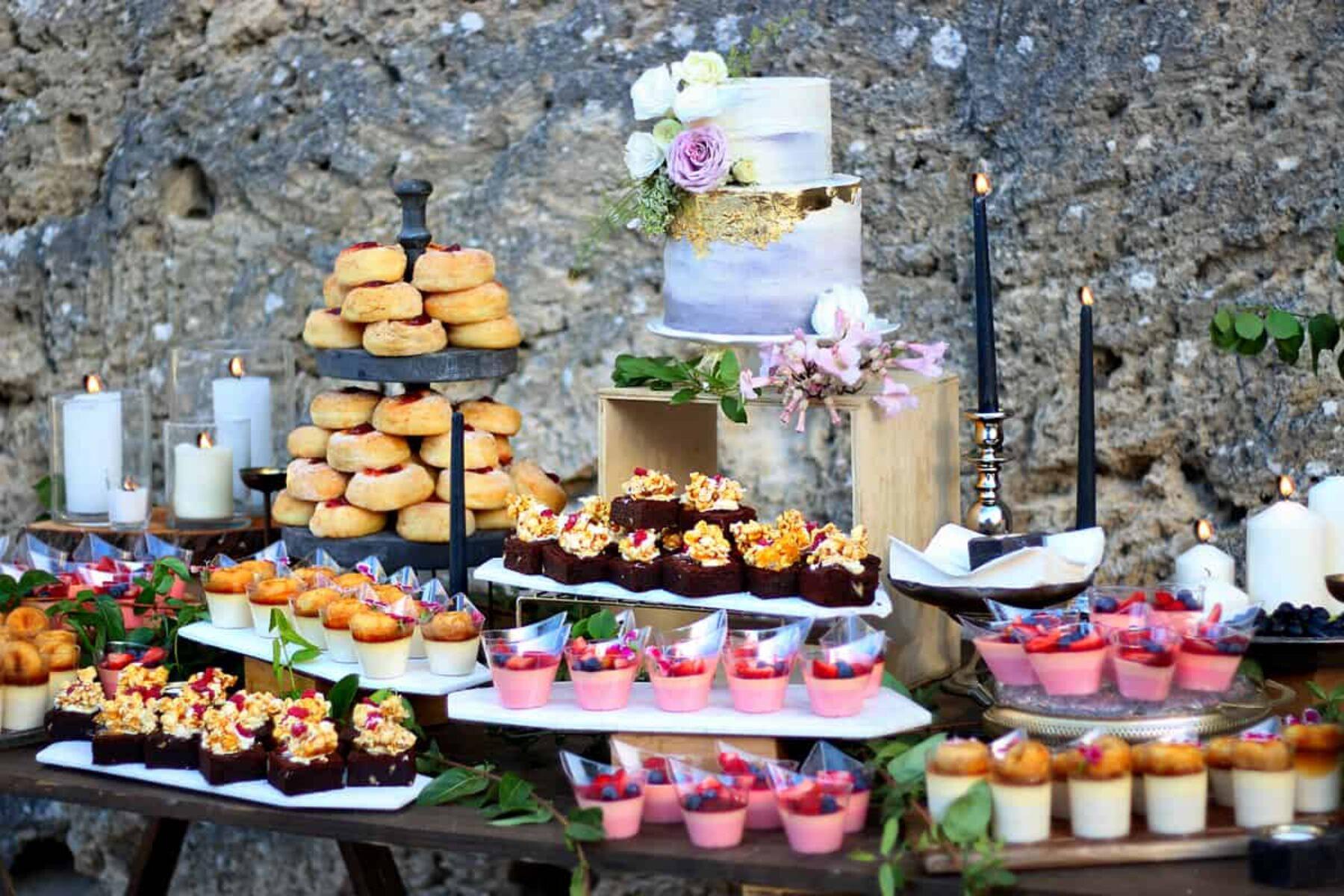 creative bespoke wedding cakes by Sukar - Perth WA