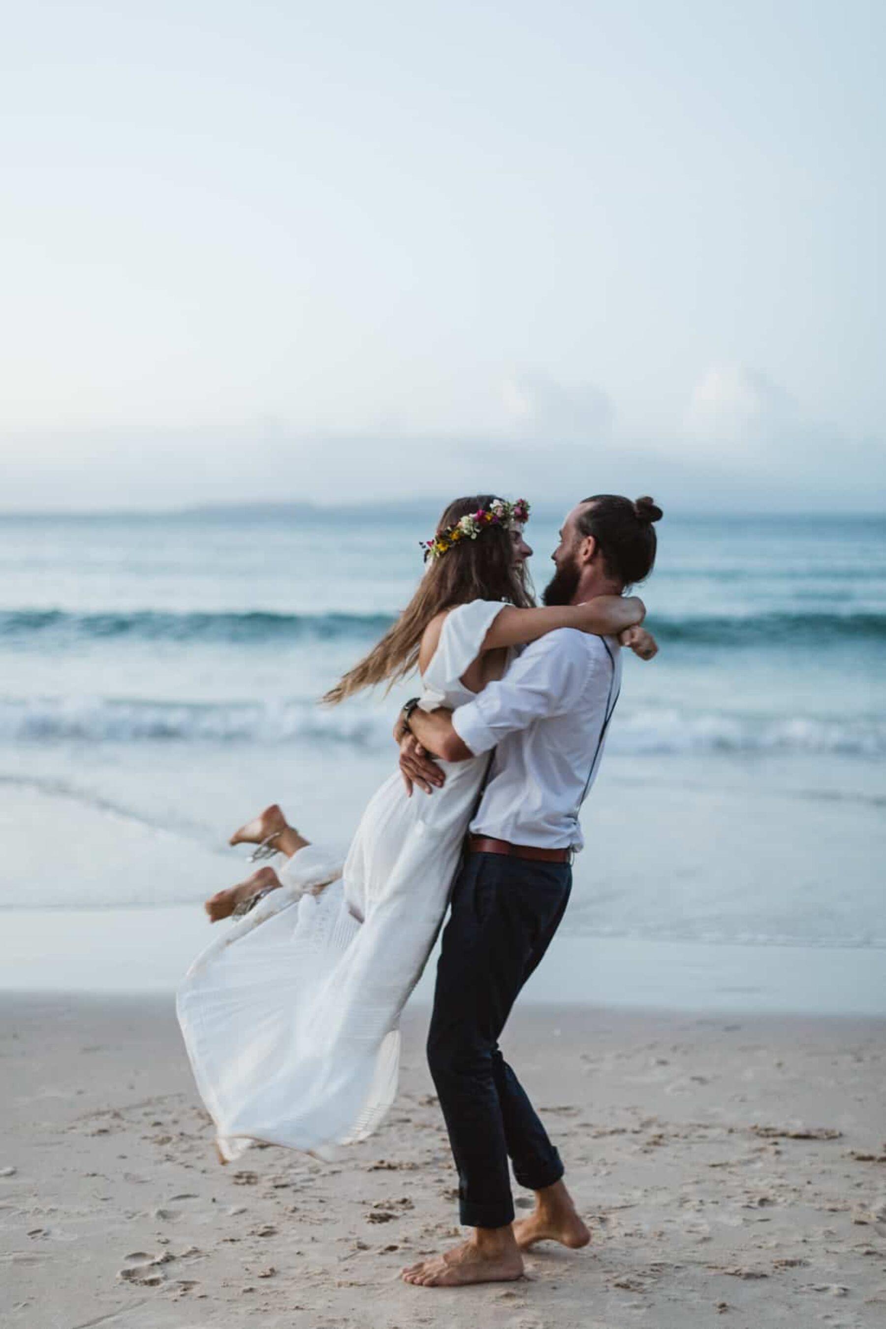Barefoot Noosa elopement - photography by Janneke Storm