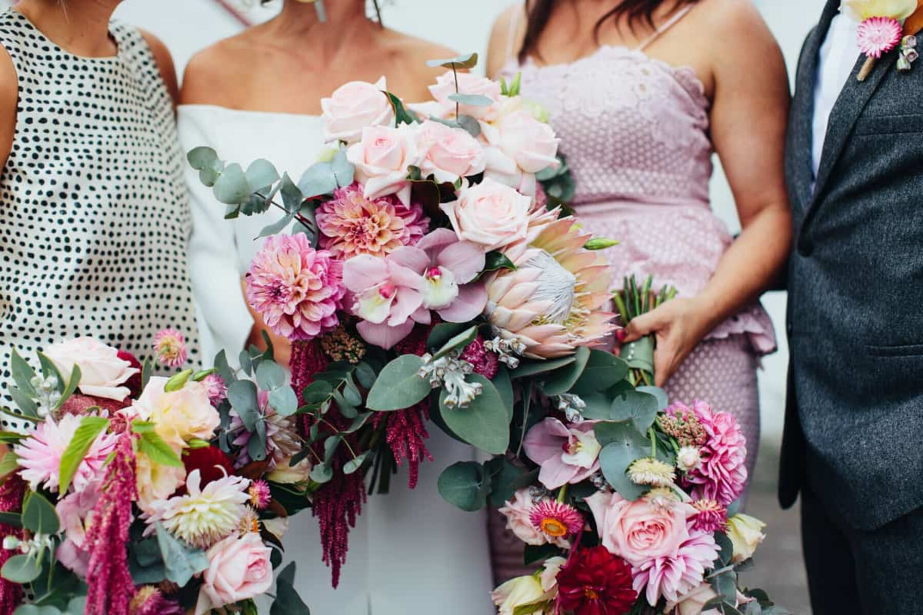 gorgeous bridemaid bouquets in mixed pinks