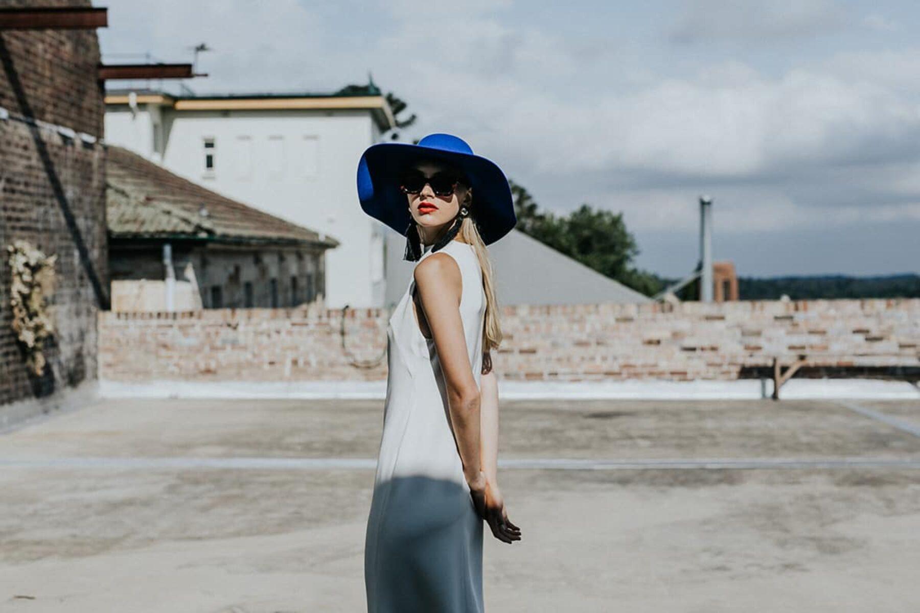 The minimalist bride - modern wedding dress by Lola Varma