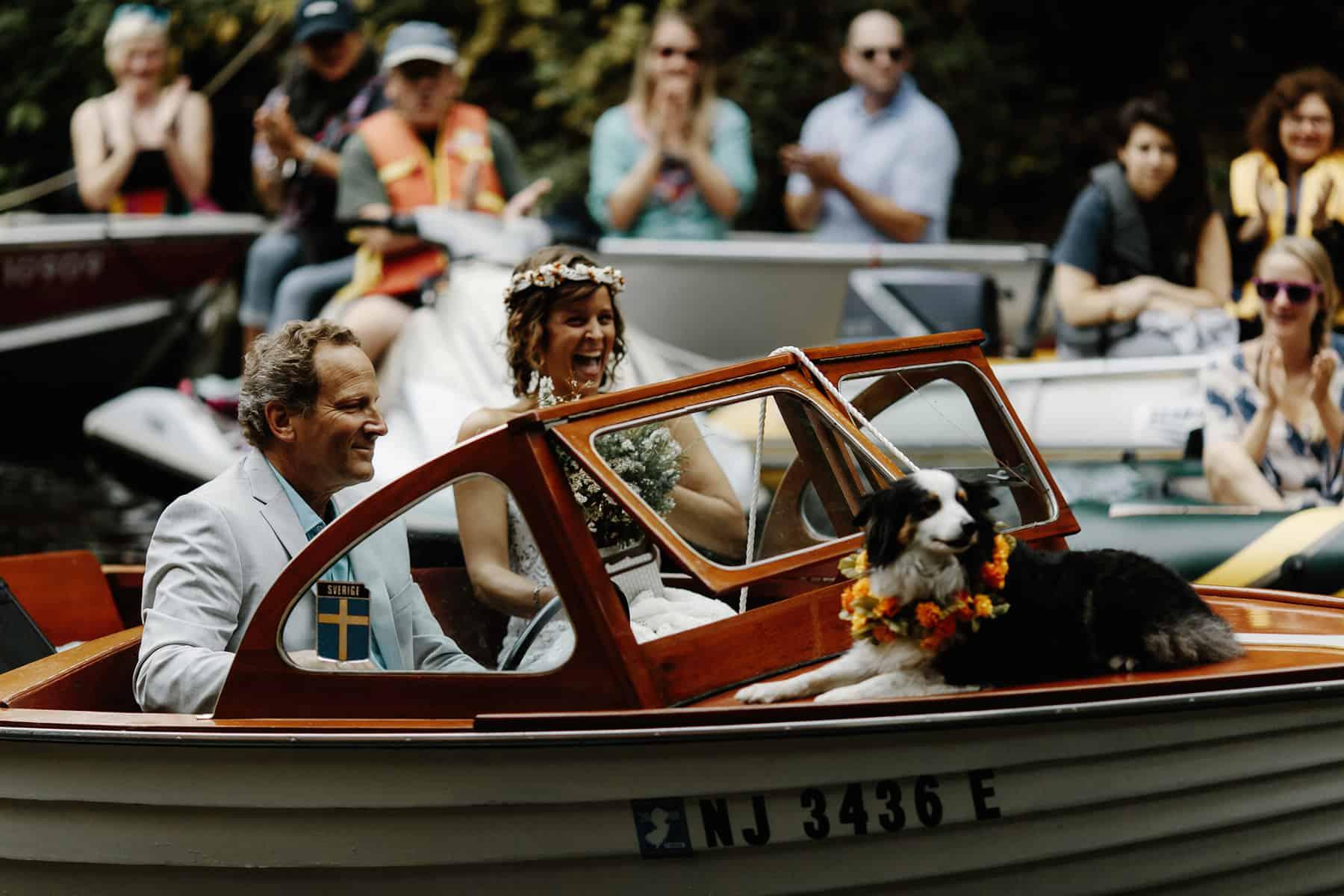 Canoe wedding - photography by Oli Sansom