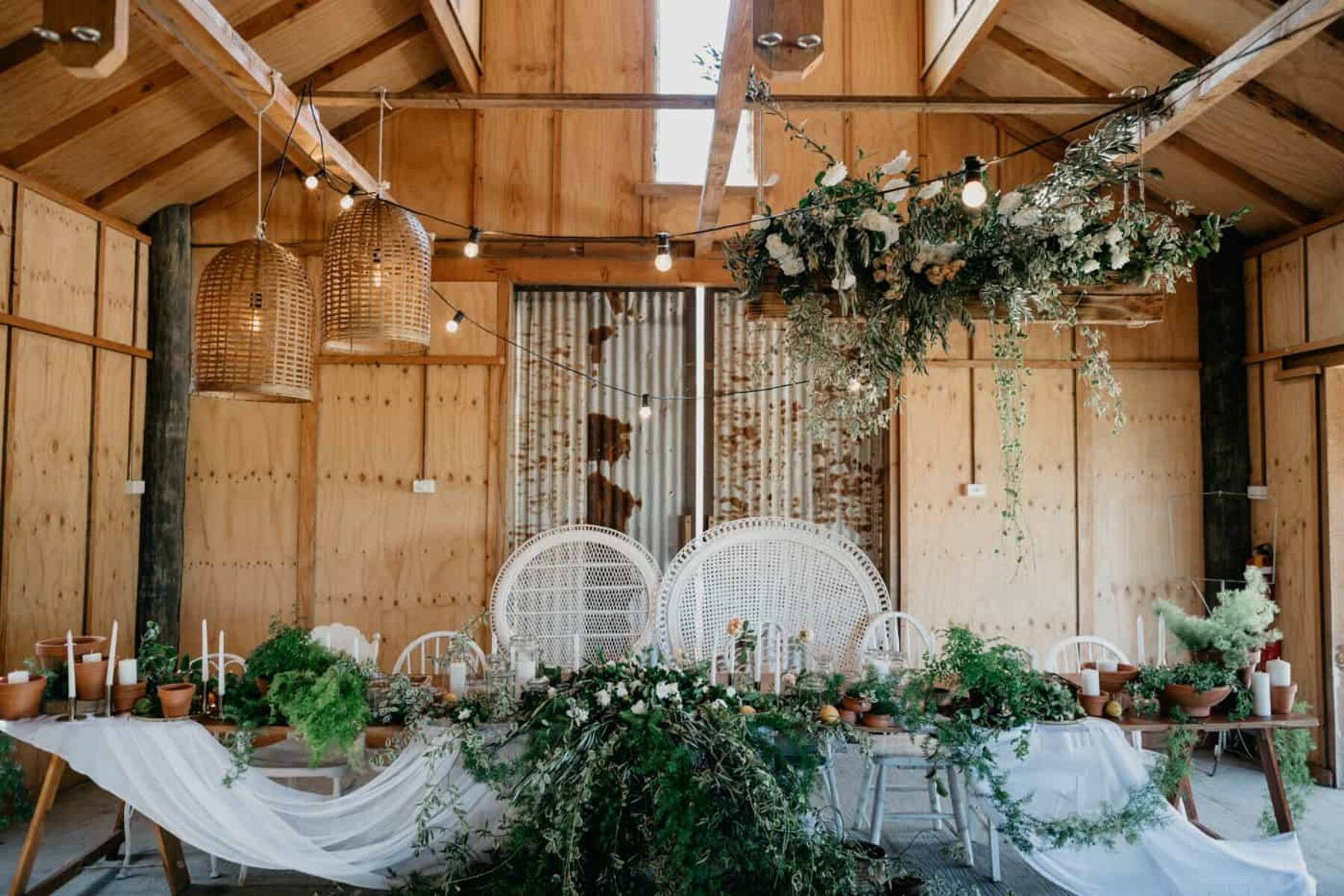 rustic barn wedding at Meribee House - photography by Mitch Pohl