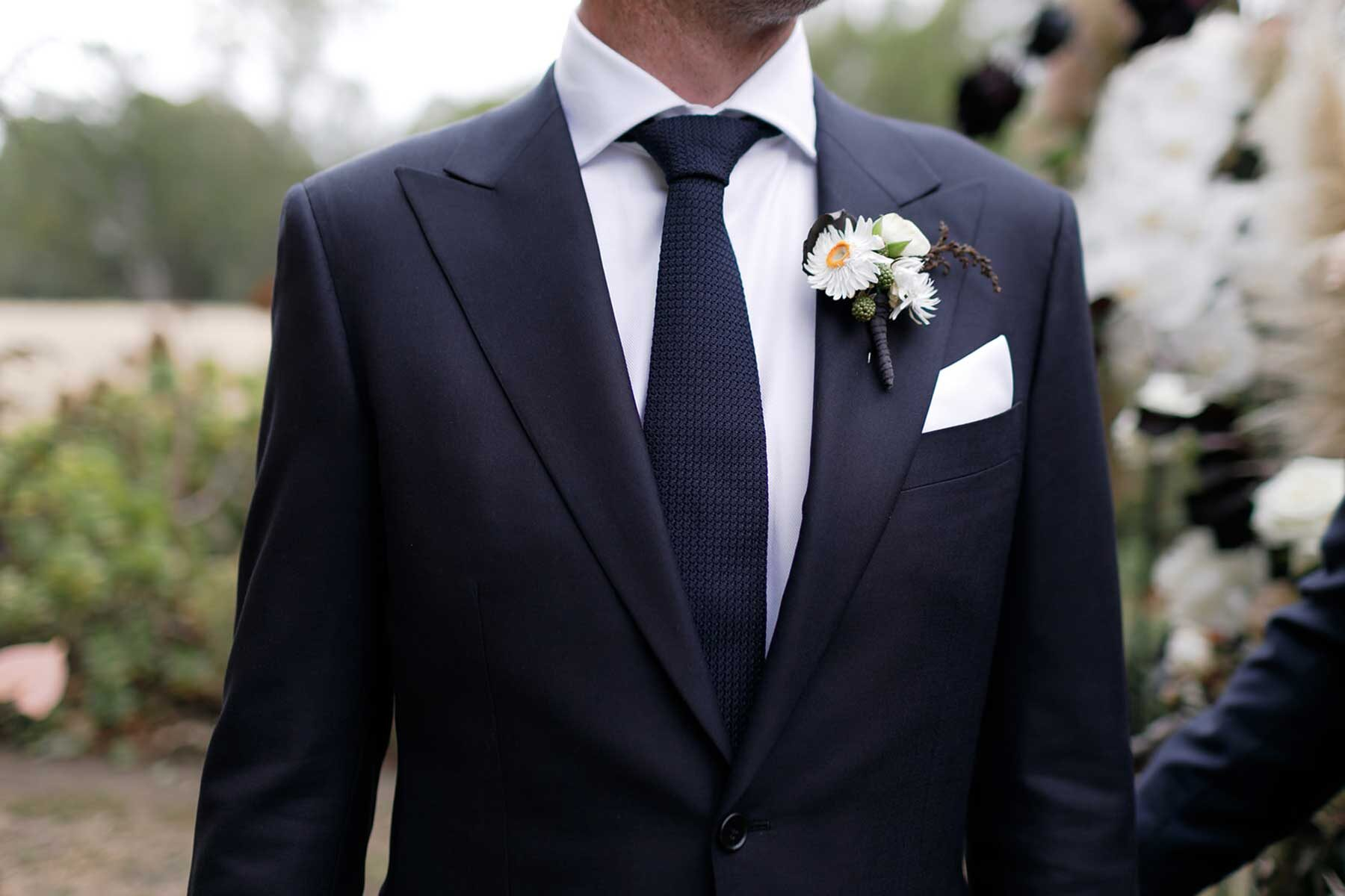 modern and romantic country wedding at Euroa Butter Factory