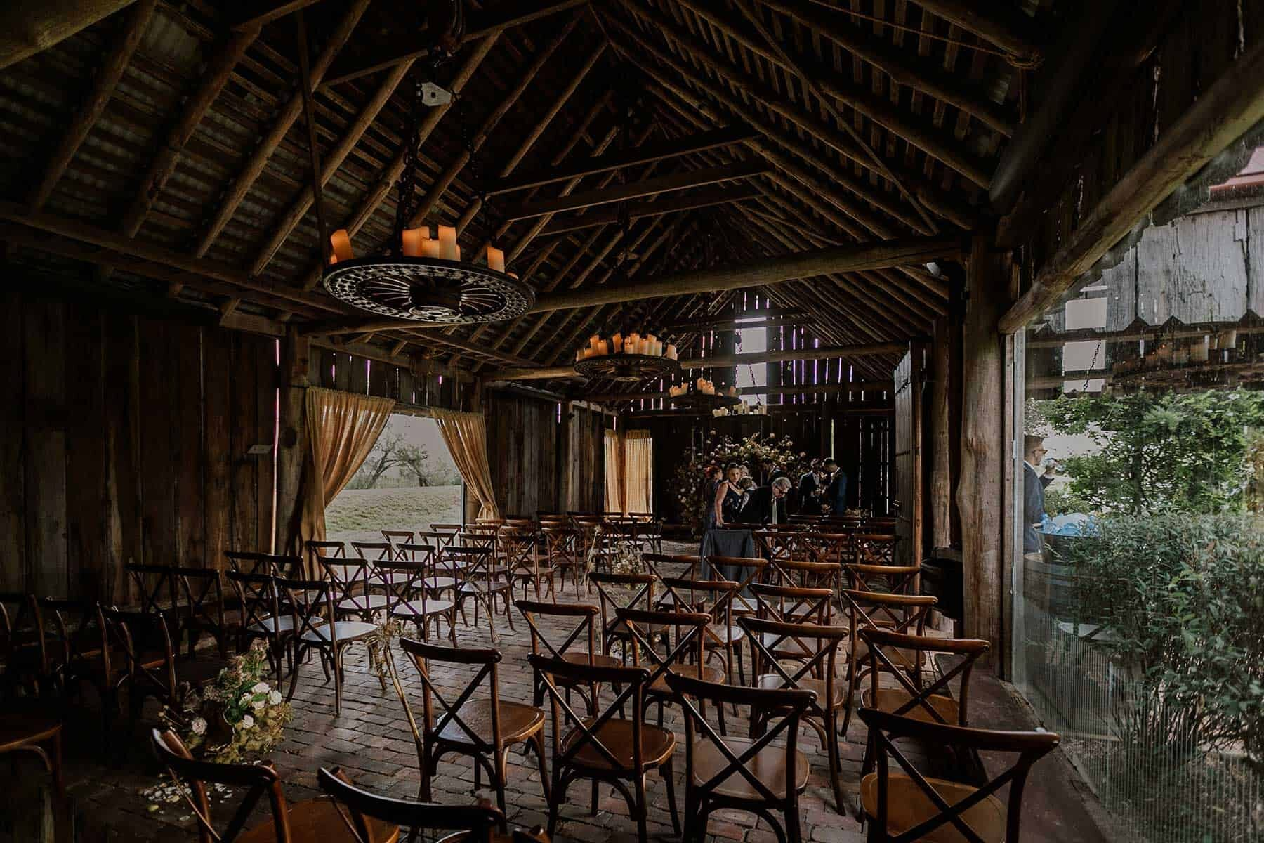 rustic barn wedding at Albion Farm Gardens in the Hunter Valley NSW